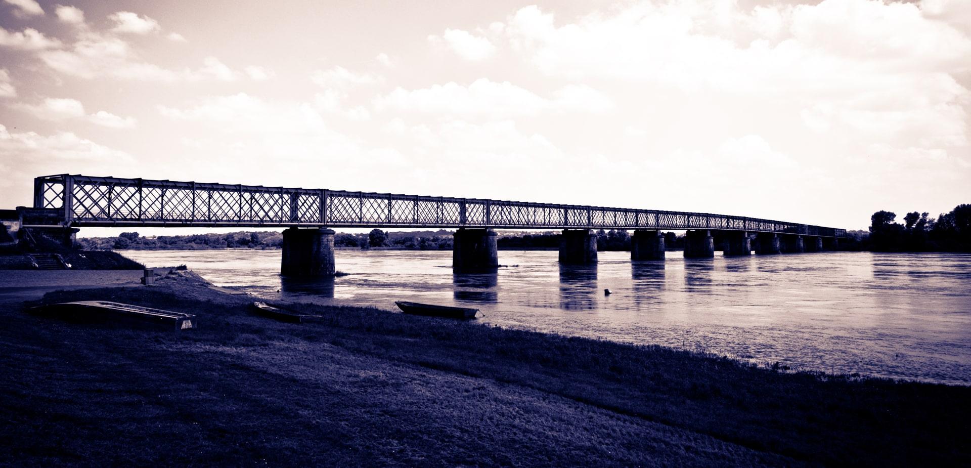 Pont-Mauve-sur-Loire-min