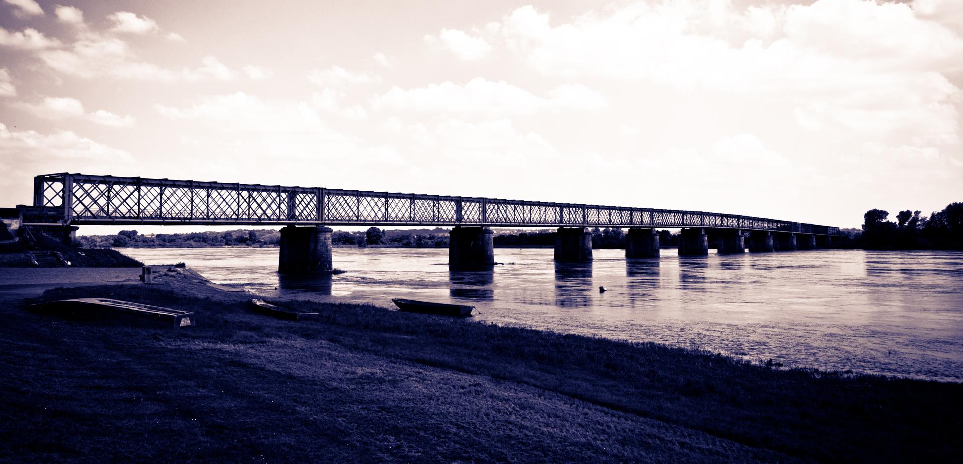 Pont-Mauve-sur-Loire